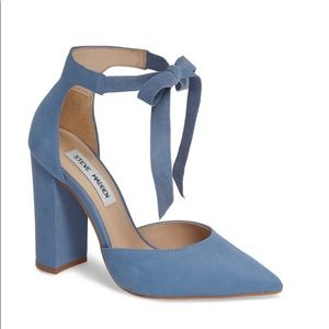 Steve Madden blue suede heels with bow
